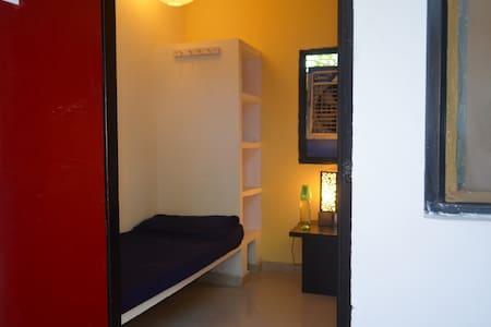 Aura Art Stay Room: Degas 2 - Sahibzada Ajit Singh Nagar