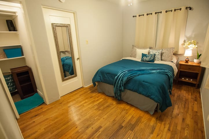 The Prince Room - 3 min to Universal City Studios