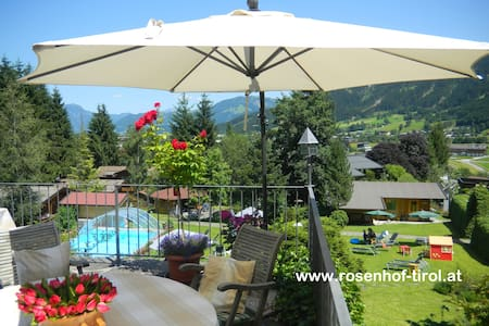 "Apartment ""Oberndorf"" at Gartenhotel Rosenhof - Oberndorf in Tirol - Квартира"