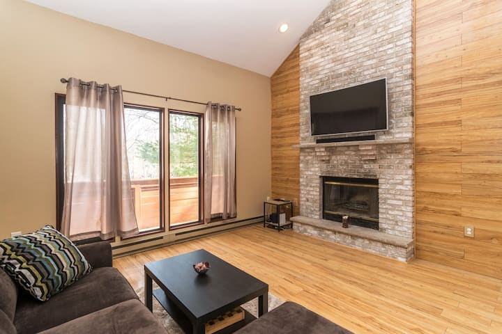 Luxury Pocono Mountain Retreat 10 min to Camelback