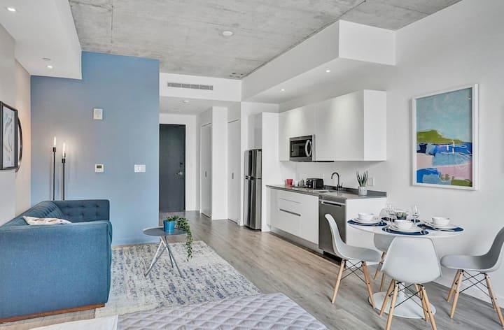 Stunning Design District Apartment 208
