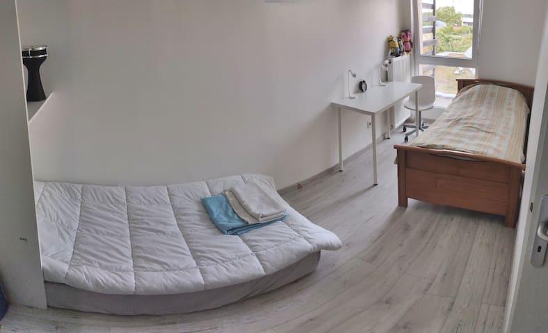chambre propre in tripleks Strasbourg 3min. à tram