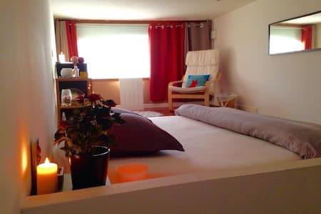 Chambre lit XXL dans loft rénové - Lilla - Loft