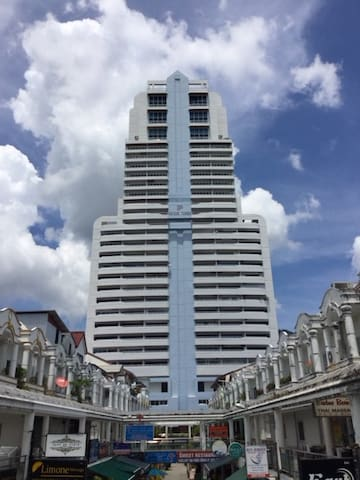 2 bedrooms apartment in Patong best place in town