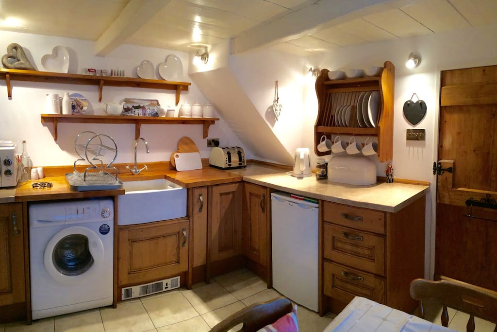 Cosy Cottage kitchen x