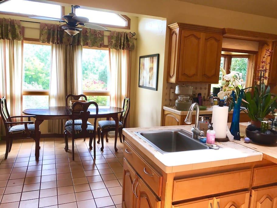 2 sinks, 6 burner Viking stove, skylight, fully stocked kitchen