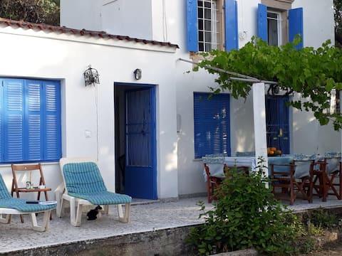 Wild Olive Cottage (Nyfida, Polichnitos, Lesvos)