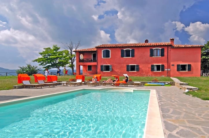 Enchanting Villa for 16 people - Tredozio - Willa