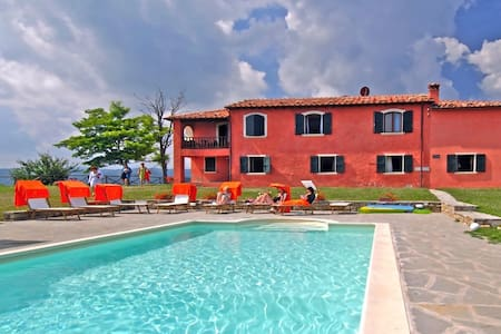 Enchanting Villa for 16 people - Tredozio - Villa