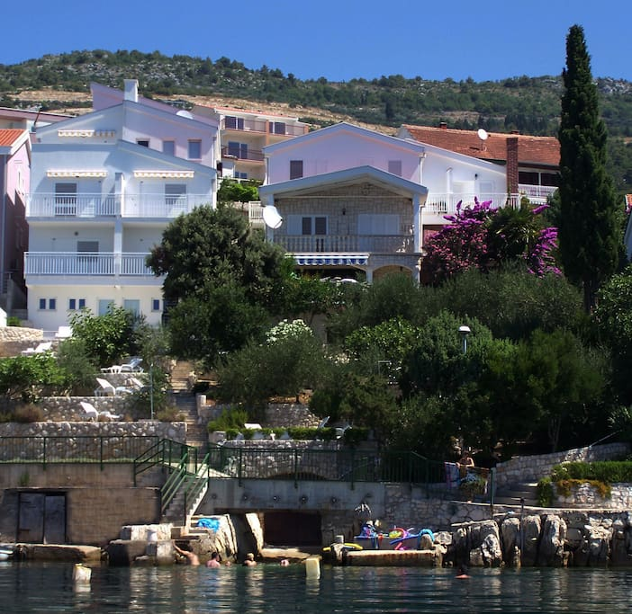 seafront Villa Mediterraneo in Komarna - Dubrovnik Riviera