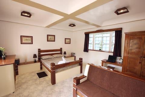 Guindulman Bay Tourist Inn - Deluxe Room