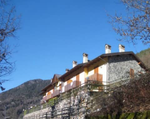 House with views of the valley.Fantastic view