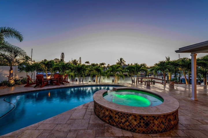 Jupiter Inlet Access Waterfront Pool Home