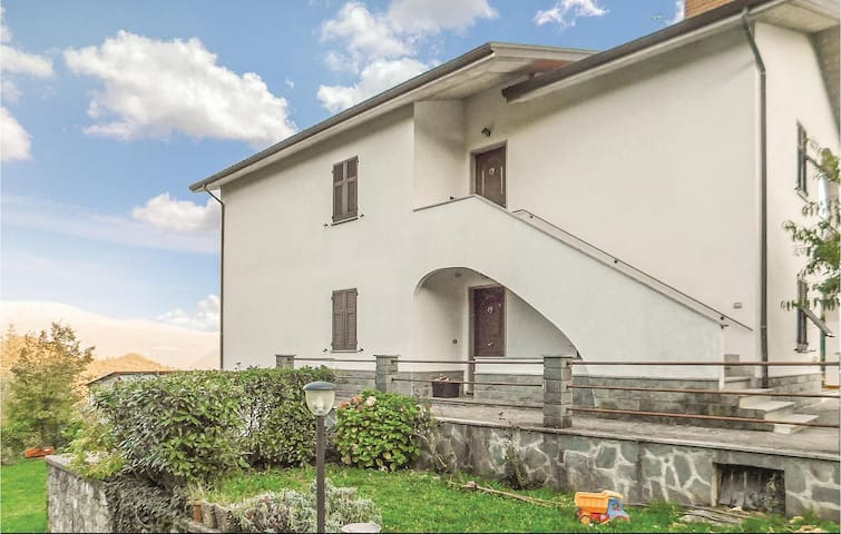 Semi-Detached with 3 bedrooms on 90 m² in Maissana Tavarone (GE)