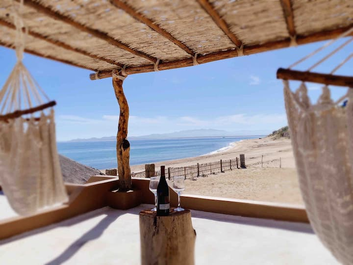 Palizada Del Mar:BEACHFRONT EcoChic Villa Completa