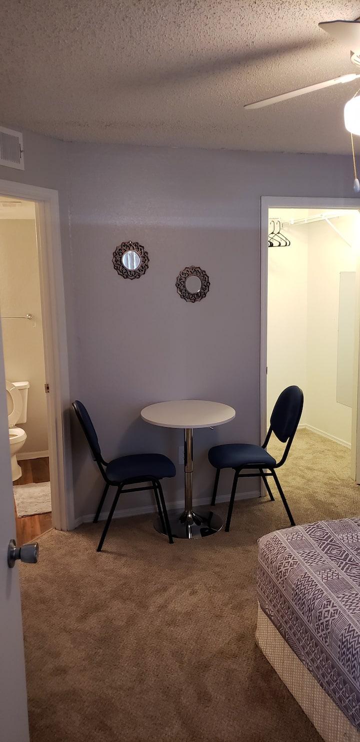 Private suite w/attached bathroom in Orlando, Fl