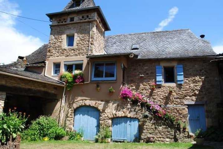 Chambres d'hôtes de Lestrunie La terrasse - Auzits - Pensió