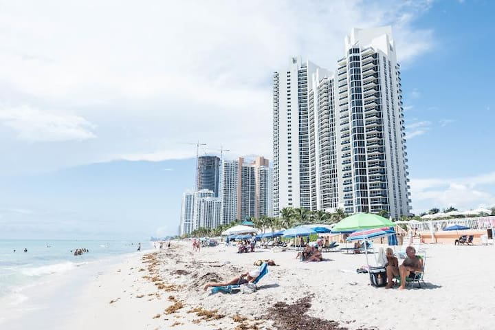 Great One Bedroom on Sunny Isles