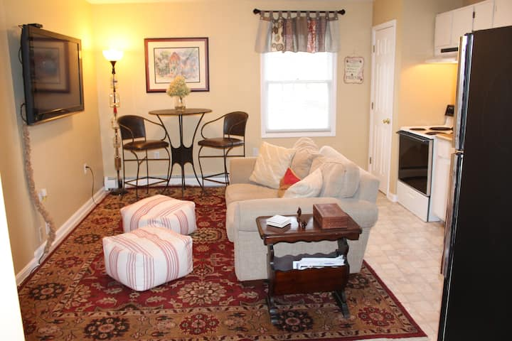 Carriage House BEST Location! With Outdoor Area