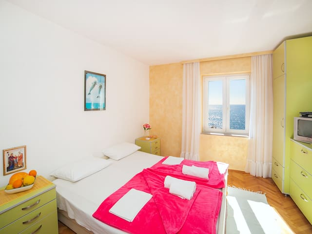 Apartments Adria- Cozy Studio with Shared Balcony