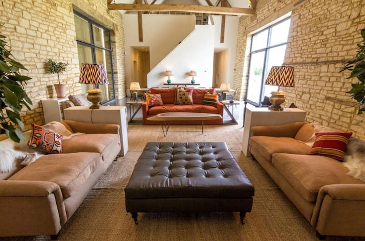 Cotswold Barn - Cirencester - House