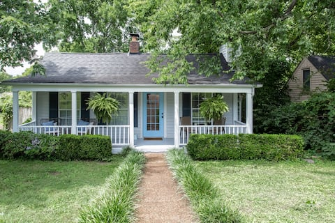 Cozy Cottage in Prime Location