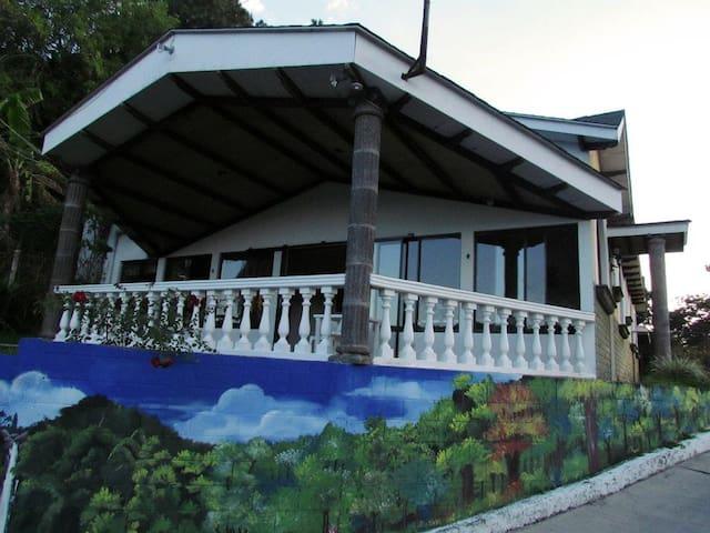 ESTANCIA ENTRE FINCAS - San Salvador - Wikt i opierunek