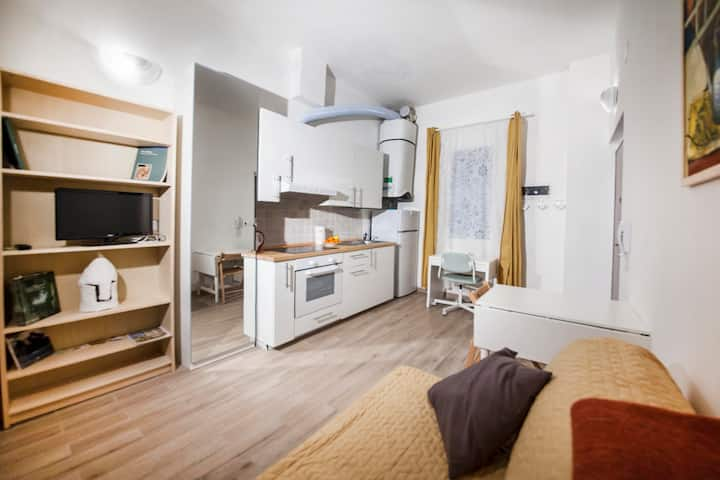 Le Ninfee Studio - Central, Comfortable and AC