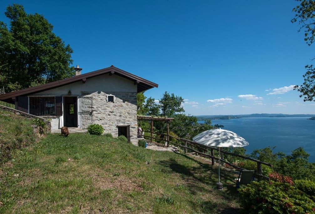 Deliziosa casetta con impagabile vista sul lago case in for Casetta sul lago