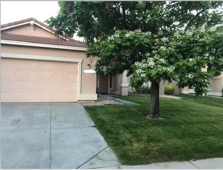 3bd/2bath Home in great Reno neighborhood.