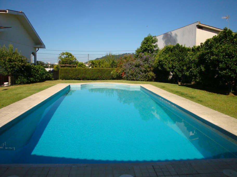 Maison avec piscine partag e maisons louer viana do - Location maison piscine portugal ...