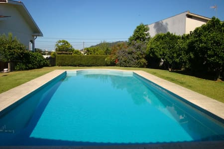 Maison avec piscine/House with swimming pool