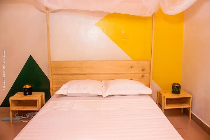 Cosy room next to the beach, 5min from the airport