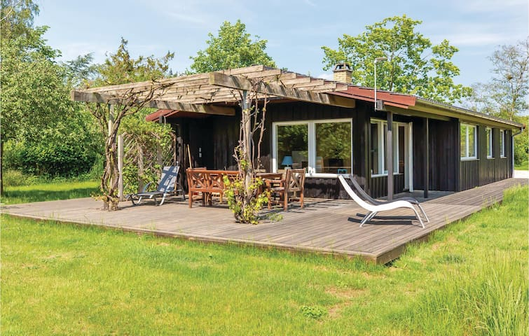 Holiday cottage with 3 bedrooms on 75m² in Holbæk