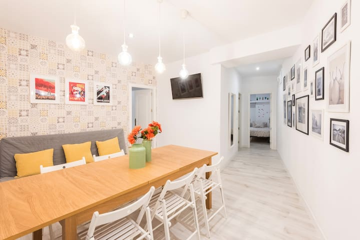 Spacious apartment in the heart of Madrid