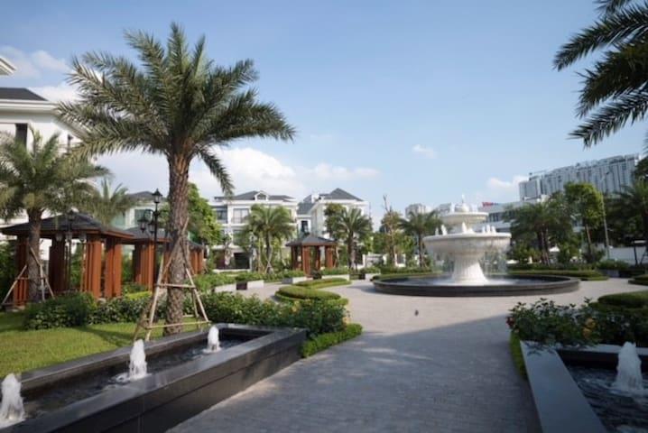 Lux studio in 5★ Resort - Vinhomes greenbay