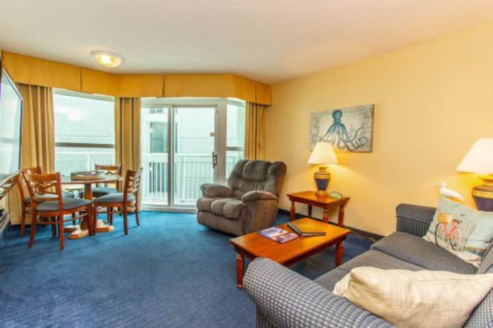 Partial Ocean View One Bedroom Condo~Carolinian335