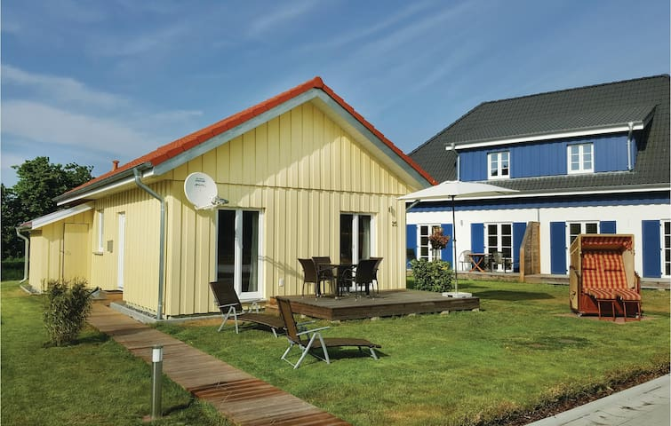 Holiday cottage with 2 bedrooms on 53m² in Altefähr/Rügen