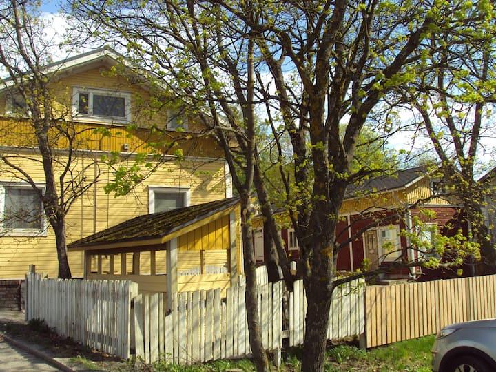 Pispalan ydin, as. Haulitorni, Center of Pispala