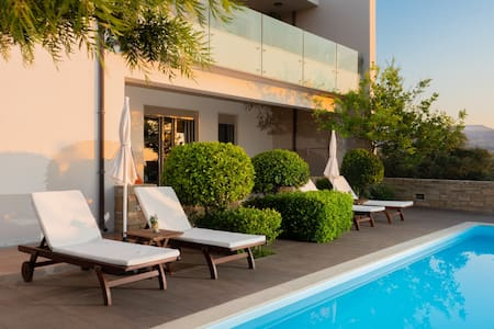 P&S Luxury Delight -nature- sea view- private pool