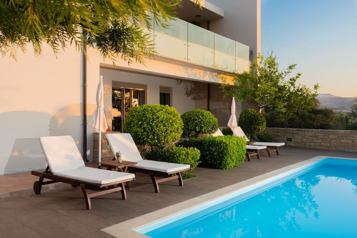 P&S Luxury Delight -nature- sea view- private pool
