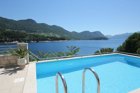 Villa Silencia - Two-Bedroom with Pool & Sea View - Trstenik