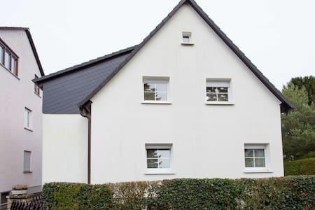 Gruppenhaus Dietzenbach-Steinberg - Dietzenbach - บ้าน