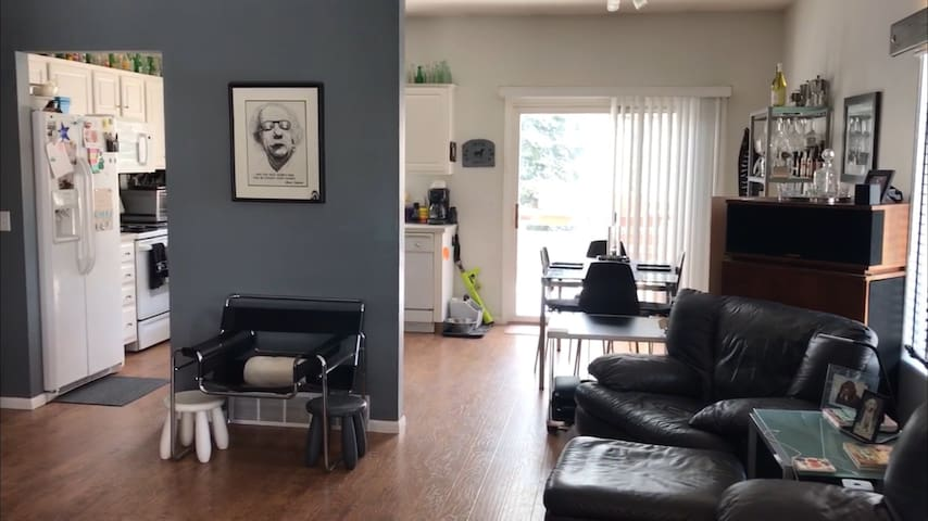 MONTHLY ONLY West Omaha Townhome with a BIG FEEL!!
