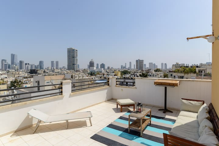 Luxury Duplex rooftop 2min from Gordon Beach