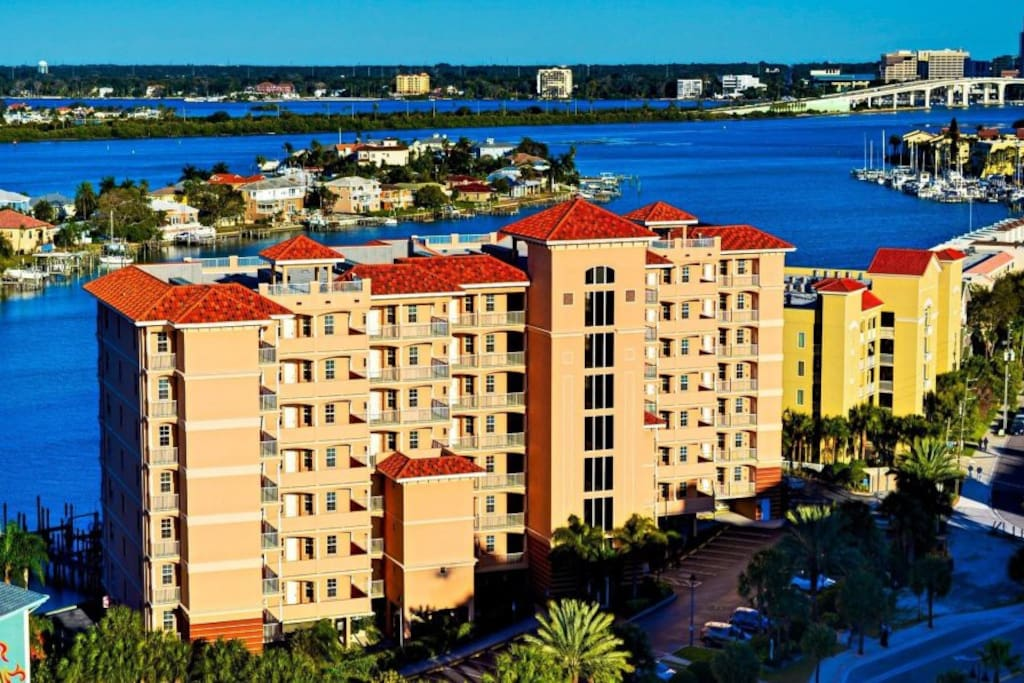 AERIAL VIEW OF HARBOR VIEW GRAND CENTRALLY LOCATED IN CLEARWATER BEACH .