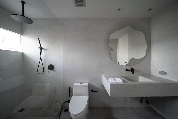 Spacious and light-filled bathroom