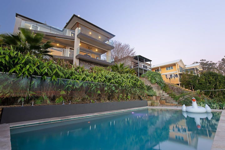 Lakehouse at Fishing Point - Absolute Waterfront, Pool, Jetty
