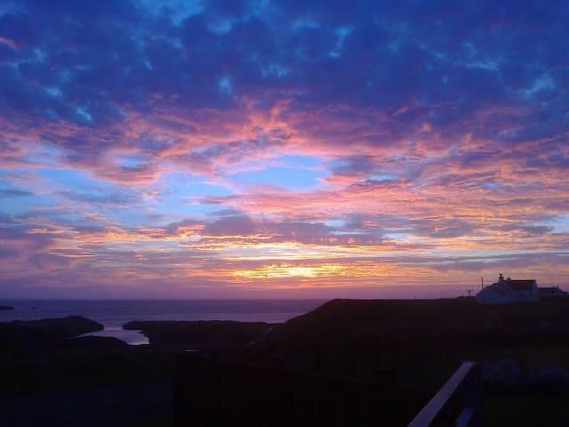 Claddach Sky