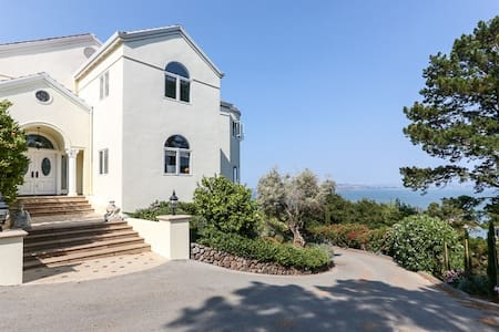 Luxury Villa and Gardens - Belvedere Tiburon